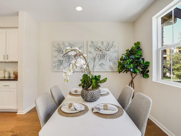 1249 Coyote Creek Way, Milpitas, CA, 95035 Townhouse. Photo 8 of 35
