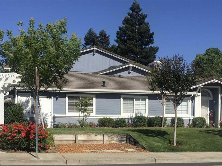1297 Portola Meadows Rd, Livermore, CA, 94551 Townhouse. Photo 1 of 1