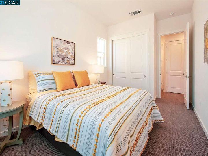 1747 Linden Ln, Santa Rosa, CA, 95404 Townhouse. Photo 29 of 34