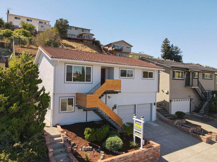 19465 Yuma St Castro Valley CA Home. Photo 2 of 40