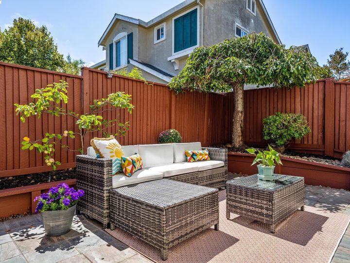 2 Sanderling Ct Alameda CA Home. Photo 15 of 31