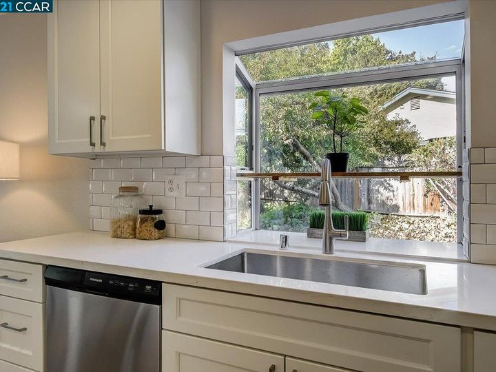 2017 Huntridge Ct Martinez CA Home. Photo 14 of 35