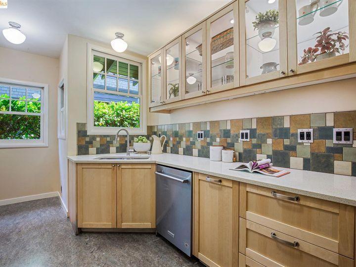 25 Plaza Dr Berkeley CA Home. Photo 13 of 40