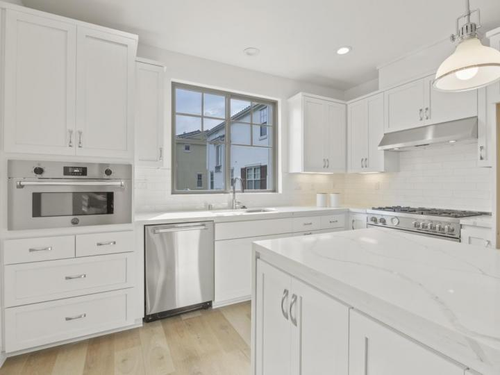 273 Fairchild Dr, Mountain View, CA, 94043 Townhouse. Photo 3 of 5