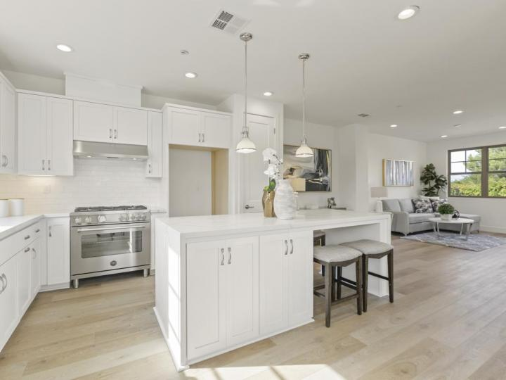 273 Fairchild Dr, Mountain View, CA, 94043 Townhouse. Photo 5 of 5