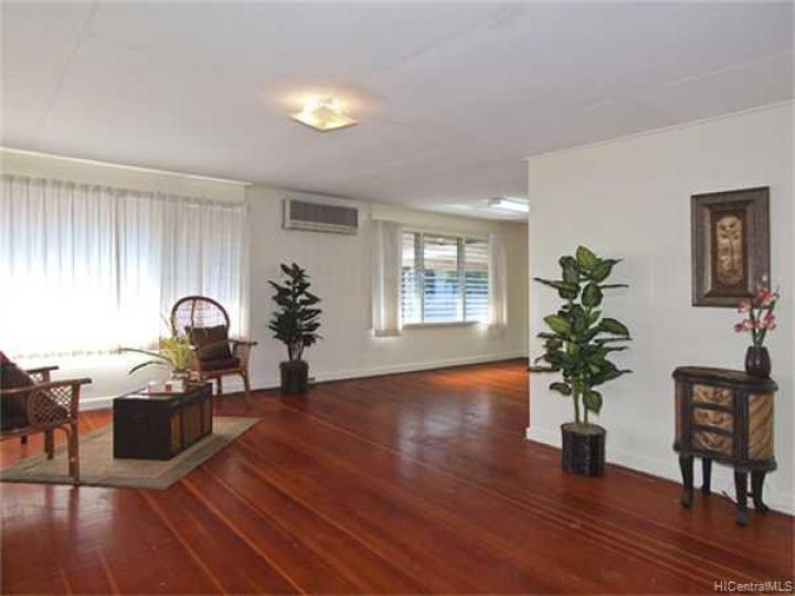 3340 Manoa Rd Honolulu HI Home. Photo 2 of 8