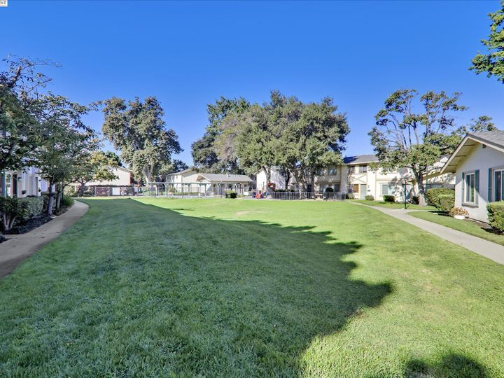 38614 Royal Ann Cmn, Fremont, CA, 94536 Townhouse. Photo 33 of 38