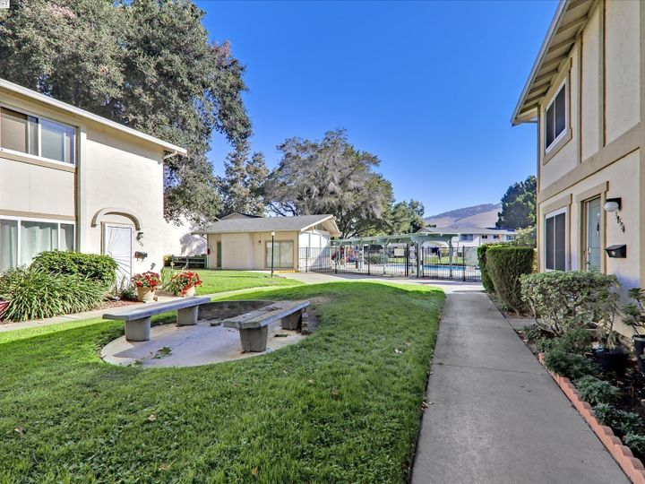 38614 Royal Ann Cmn, Fremont, CA, 94536 Townhouse. Photo 34 of 38