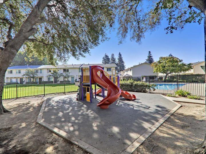 38614 Royal Ann Cmn, Fremont, CA, 94536 Townhouse. Photo 36 of 38