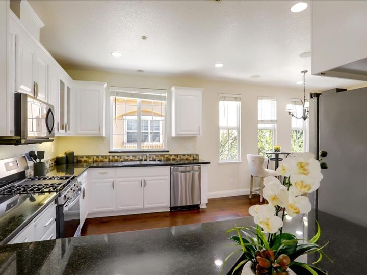 4060 Crandall Cir, Santa Clara, CA, 95054 Townhouse. Photo 11 of 40