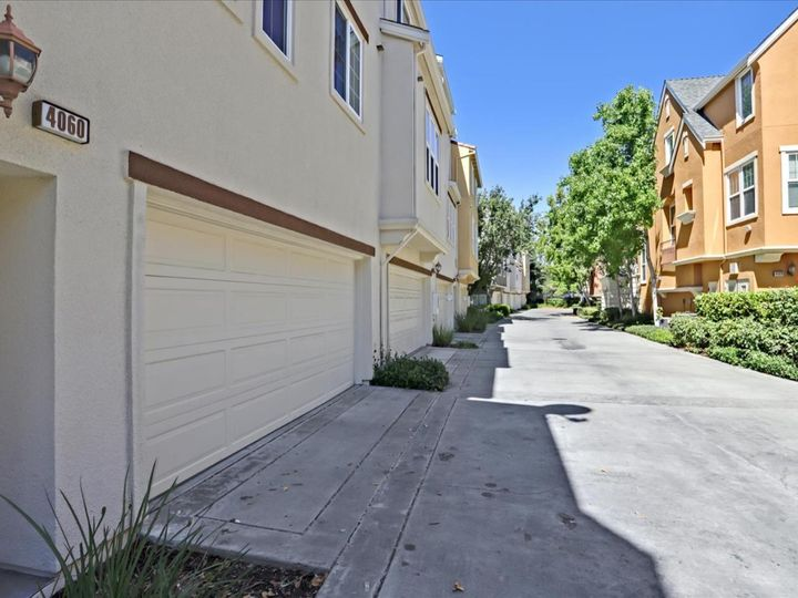 4060 Crandall Cir, Santa Clara, CA, 95054 Townhouse. Photo 35 of 40