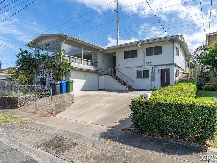 Rental 4211 Halupa St, Honolulu, HI, 96818. Photo 2 of 21