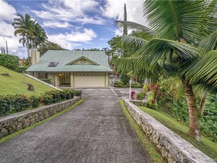 47-626 Halemanu St Kaneohe HI Home. Photo 1 of 25