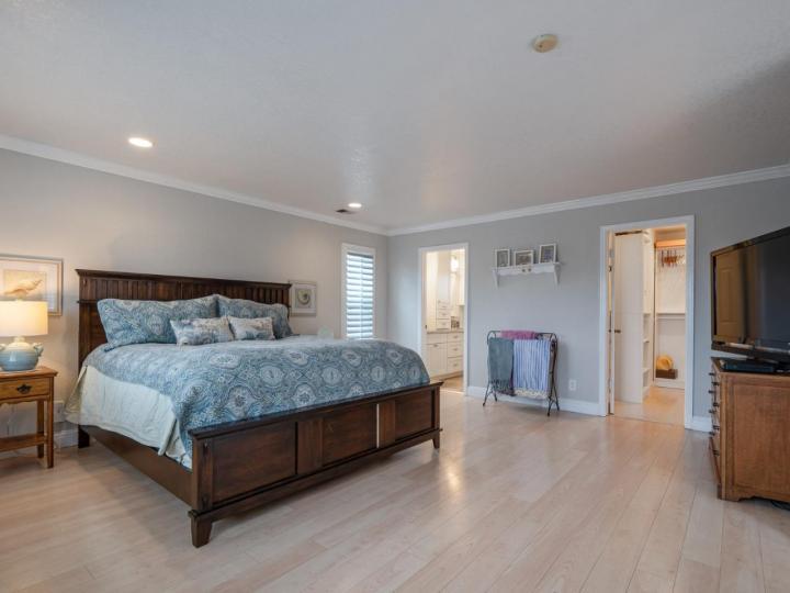 527 Highland Ave Half Moon Bay CA Home. Photo 12 of 38