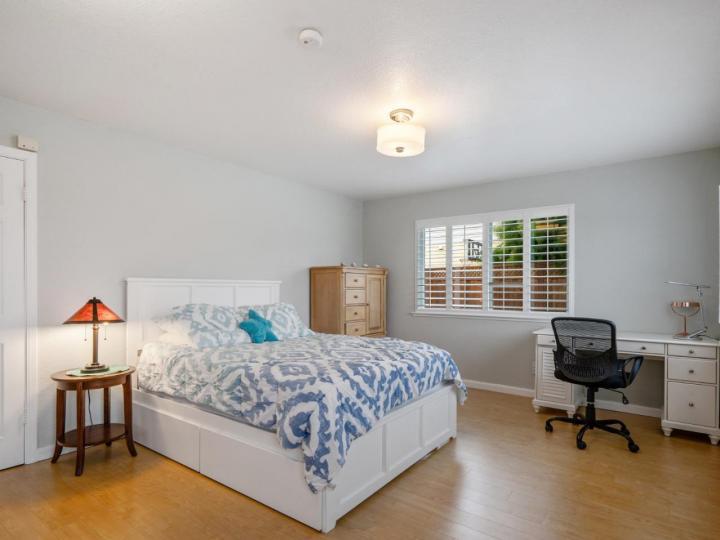 527 Highland Ave Half Moon Bay CA Home. Photo 15 of 38