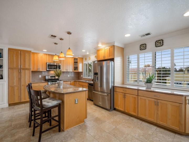 527 Highland Ave Half Moon Bay CA Home. Photo 7 of 38