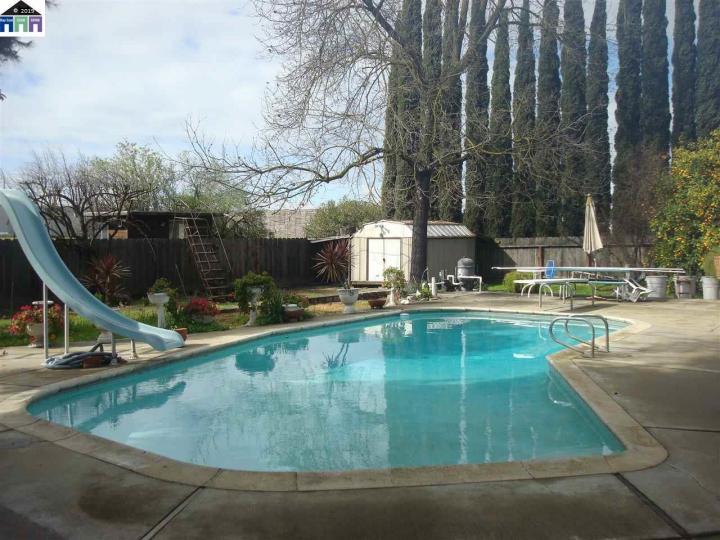 552 El Roya Modesto CA Home. Photo 1 of 21