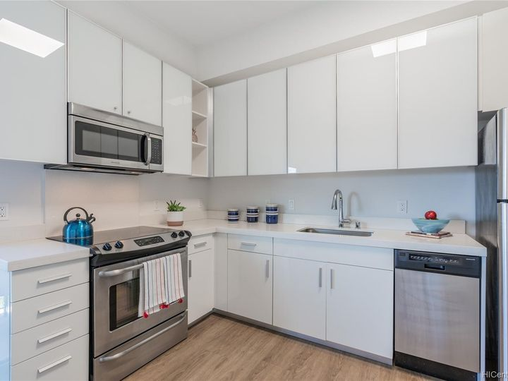 The Collection condo #M401. Photo 5 of 25