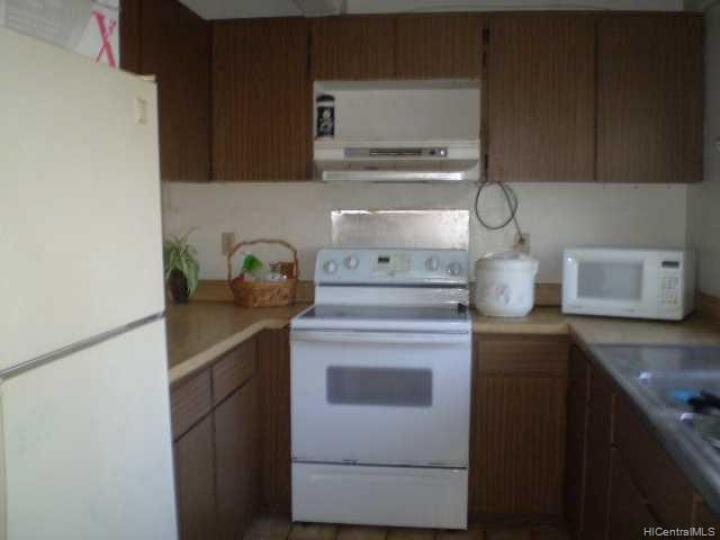 827 Ala Lilikoi St unit #3, Honolulu, HI, 96818 Townhouse. Photo 4 of 6