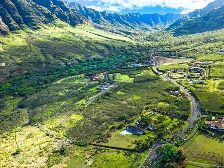 84-54 Maiola St Waianae HI Home. Photo 5 of 10