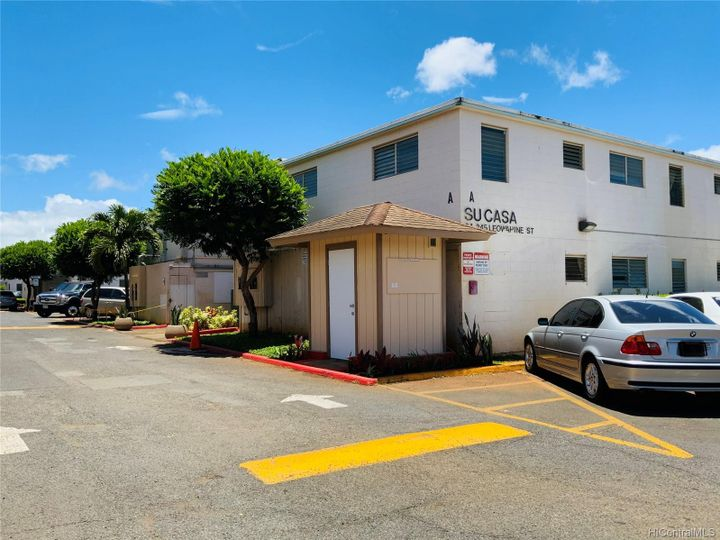94-245 Leowahine St #207, Waipahu, HI, 96797 Townhouse. Photo 2 of 15