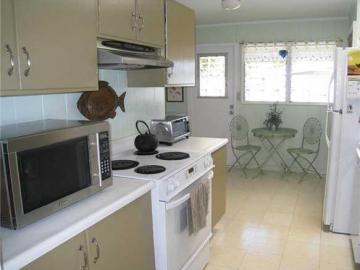 1035 Lunaai St Kailua HI Home. Photo 2 of 10
