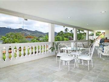 106 Nawiliwili St Honolulu HI Home. Photo 4 of 9