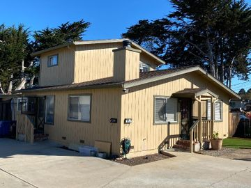 1067 Harcourt Ave, Seaside, CA