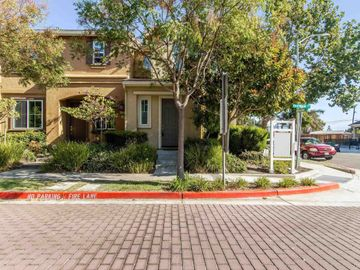 1114 Red Wing Dr, A Street, CA