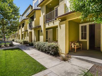 1249 Coyote Creek Way, Milpitas, CA, 95035 Townhouse. Photo 4 of 35