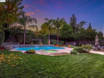 1278 Royal Creek Ct, Carlton Oaks, CA