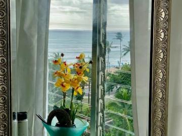 134 Kapahulu Ave unit #707, Waikiki, HI