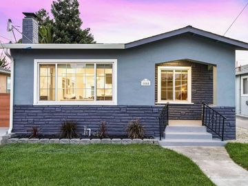 1555 Thrush Ave, Ashland, CA