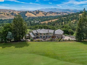 20 Golf Rd, Castlewood C.c., CA