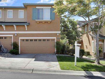 23079 Canyon Terrace Dr, Wildwood, CA