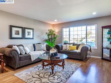 2434 Almaden Blvd, Westview Estates, CA