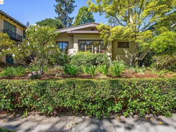 25 Plaza Dr Berkeley CA Home. Photo 2 of 40