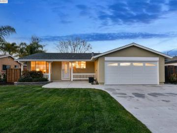 32280 Valiant Way, Town And Country, CA