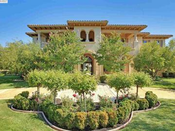 3860 Antonini Way Pleasanton CA Home. Photo 3 of 40