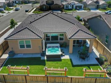 418 Golden Gate Ct, Tracy, CA