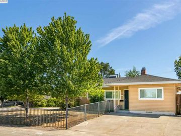 5732 Layton Dr, North Highlands, CA