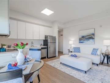 The Collection condo #M401. Photo 4 of 25