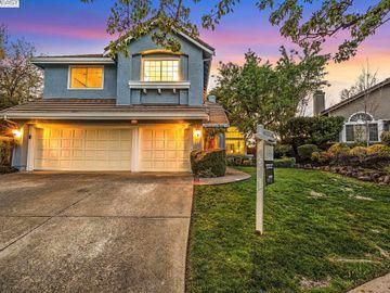 635 Laurelwood Ct, Amber Ridge, CA