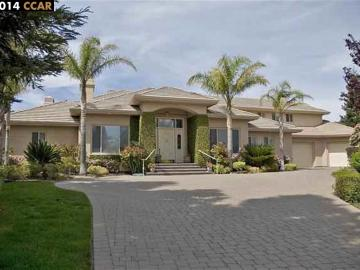 64 Deer Crest Pl, Discovery Bay Country Club, CA