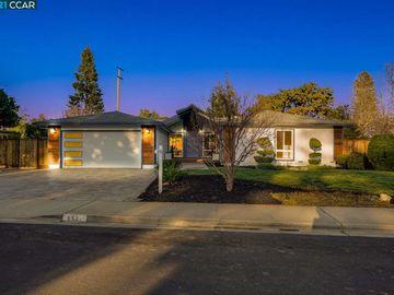 652 Wintergreen Ln, Woodlands, CA