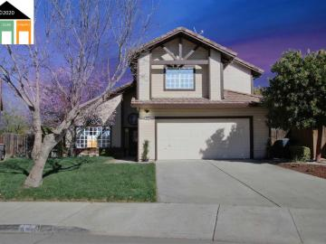 820 Colonial Ln, Tracy, CA