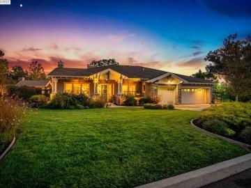 829 Clara Ln, Vineyard Hills, CA