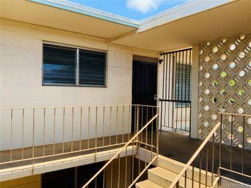 94-245 Leowahine St #207, Waipahu, HI, 96797 Townhouse. Photo 3 of 15