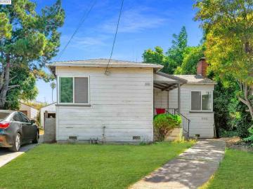9836 Springfield St, East Oakland, CA
